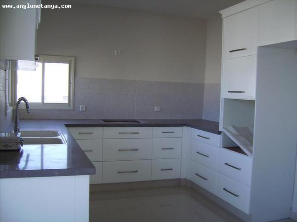 Real Estate Israel - Netanya South Very nice property, High ceilings, Sunny property, Close to the centre, Near the sea, Near... Anglo Saxon Netanya