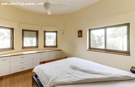 Real Estate Israel - Jerusalem German Colony Marvelous Bauhaus penthouse in prime location on Rehov haTzfira with 185 sq m renovated on one... Shelly Landau Properties