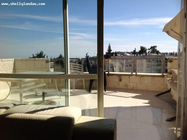 Real Estate Israel - Jerusalem Baka Ideally situated on the 7th and top floor the penthouse is 165 sq m net space on one level with a ... Shelly Landau Properties
