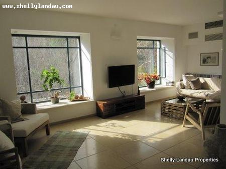 Real Estate Israel - Jerusalem Nayot Beautifully designed, spacious 6 room unit with private entrance, includes master bedroom,... Shelly Landau Properties
