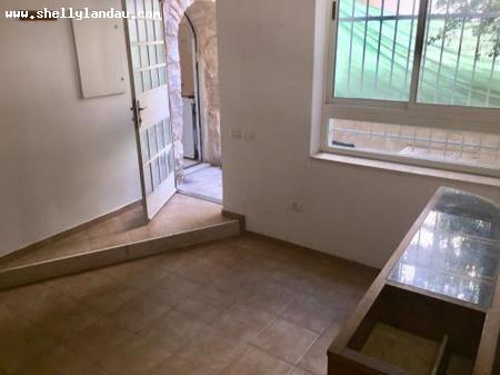 Real Estate Israel - Jerusalem Nahlaot On a quiet pastoral pedestrian path, beautiful renovated unit enter via , courtyard, large domed... Shelly Landau Properties