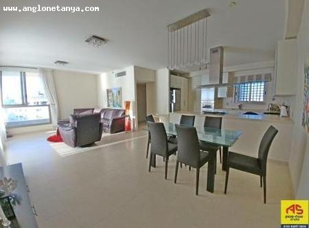 Real Estate Israel - Netanya Sea area For sale in Netanya, in the most sought-after building of Nitza. On high floor, 4 bright and... Anglo Saxon Netanya