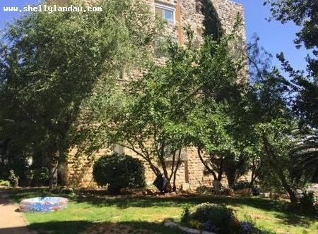 Real Estate Israel - Jerusalem Nayot At the corner of Davidson, tranquil and airy 4.5 rooms with 4 exposures, 2 full baths, renovated... Shelly Landau Properties