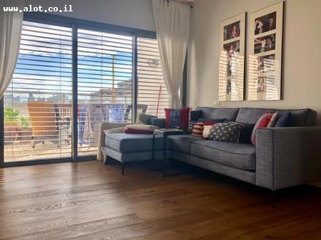 Immobilier Israel - Tel-Aviv Afeka  Maalot investments Real Estate Marketing Entrepreneurship