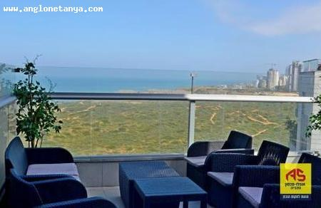Real Estate Israel - Netanya Ir Yamim The most beautiful apartment in Ir Yamim In the Dimri project opposite the Shmurah and the sea, 5... Anglo Saxon Netanya