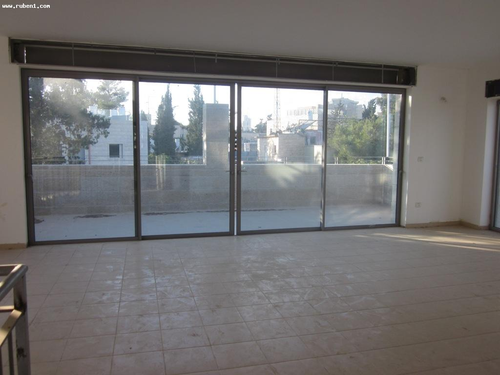 Real Estate Israel - Jerusalem Rehavia New building in classic Rehavia. PENTHOUSE: 6rooms 243 m2 Terrace: 50m2. 4... Rubens Real Estate