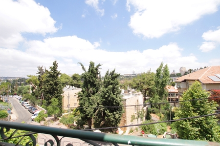Jerusalem Kiryat Shmuel - Zimuki Real Estate In Jerusalem