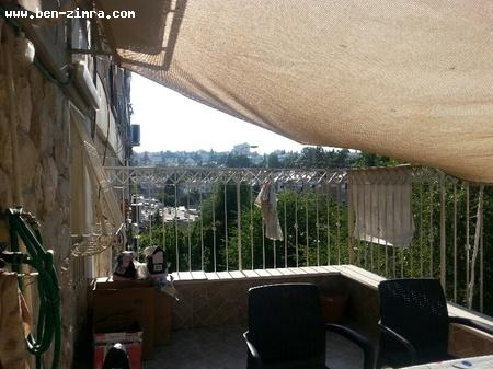 Real Estate Israel - Jerusalem Katamonim Nice 2 bedrooms (3 rooms) in Katamonim with large balcony of 18 m2 with the possibility to build ... Ben Zimra Real Estate