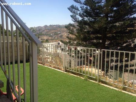 Real Estate Israel - Jerusalem Armon Hanatsiv דופלקס עם גינה! גינה גדולה + חצר משופץ, יחידת... Rubens Real Estate