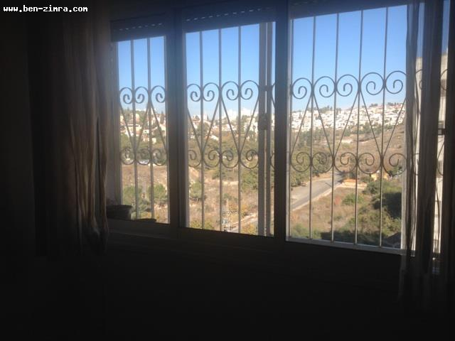 Real Estate Israel - Jerusalem Kiryat Hayovel Nice appartment with succa balcony,view,quiet and light. potential Pinouy Binouy. Ben Zimra Real Estate