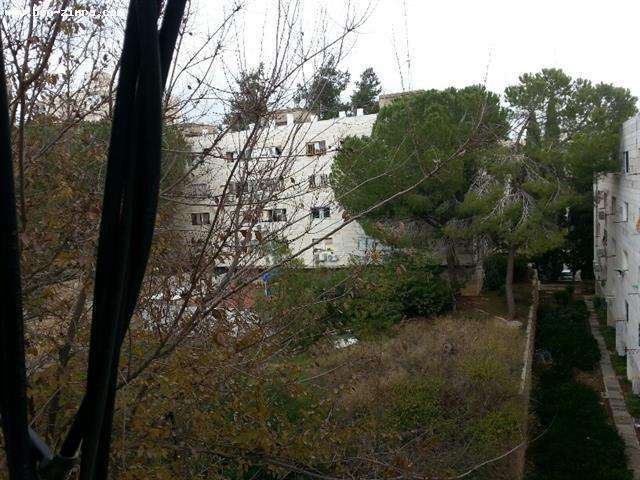 Real Estate Israel - Jerusalem Katamonim Close to the San Simon Park,great deal!in good shape,bright,quiet Ben Zimra Real Estate