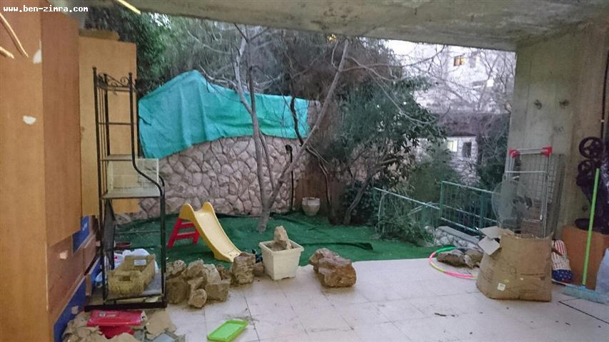 Real Estate Israel - Jerusalem Armon Hanatsiv Close to Arnona,beautiful apartment with 50 sqm garden,renovated,bright,view, parking. Ben Zimra Real Estate
