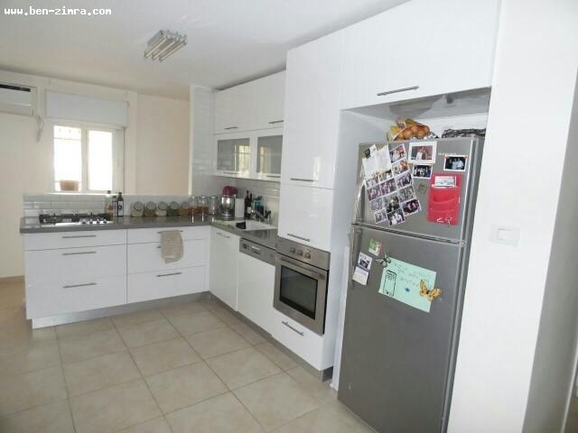 Real Estate Israel - Jerusalem Armon Hanatsiv Good location,3 bed rooms renovated 'bright in a quiet street.good investment/young family. Ben Zimra Real Estate