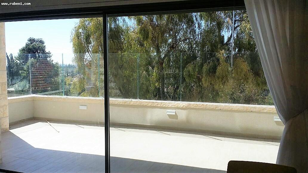 Real Estate Israel - Jerusalem Rehavia Luxurious apartment in the heart of Rehavia, KKL st. Net area 137 sqm, 25 sqm Succah balcony from... Rubens Real Estate
