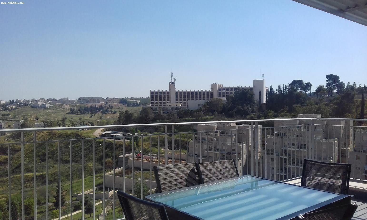 Real Estate Israel - Jerusalem Arnona מיני פנטהאוז בבניין חדש 5 חדרים, מהמם, נוף עוצר נשימה!... Rubens Real Estate