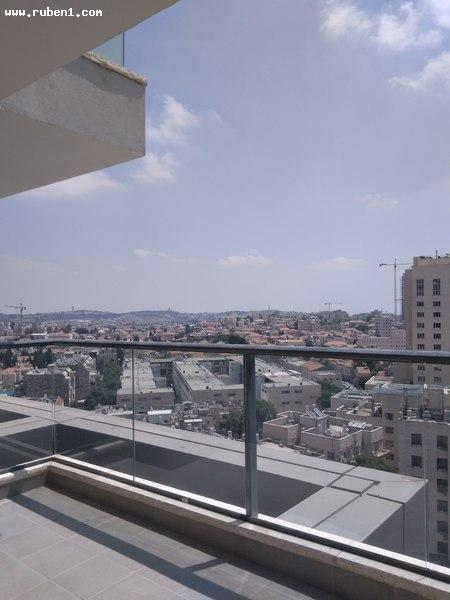 Real Estate Israel - Jerusalem City Center Apartment in a new building close to the central station! Magnificent project, balcony with... Rubens Real Estate