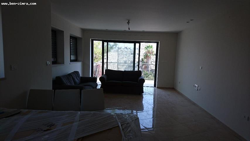 Real Estate Israel - Jerusalem Old Katamon CLOSE TO THE SHTIBLEH IN A SMALL AND QUIET STREET IN A NEW SMALL BUILDING WITH SHABAT ELEVATOR... Ben Zimra Real Estate