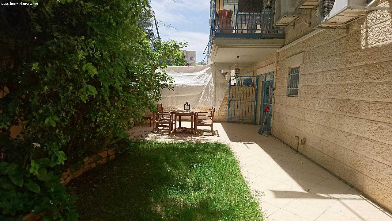 Real Estate Israel - Jerusalem Mekor Chaim LUXURY  3 ROOMS  GARDEN APARTMENT,72 SQM IN A BEAUTIFUL BUILDING  LARGE PRIVATE GARDEN  100... Ben Zimra Real Estate